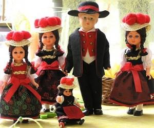 Сувениры - куклы в национальных костюмах
